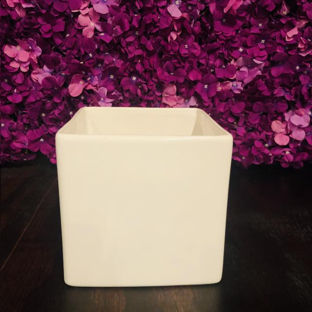 Where to find 6.25 x6.25 White Urban Square Vase in Tulsa