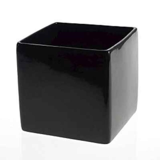 Rent Black Vases